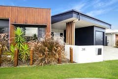2-Octo2019-Henriette-Werner-Design-Weathergroove-150-Natural-Ecogroove-300-smooth-Ecowall-natural-QLD-8